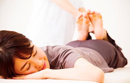 産後の骨盤矯正は、ダイエットには有効?骨盤矯正とダイエットの関係性は?